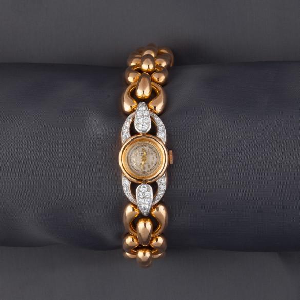 bracelet carre brillant avec papillon