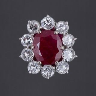 Belle bague forme marguerite rubis