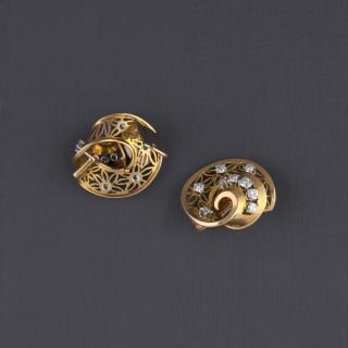 Boucles d'oreilles serties de 18 diamants